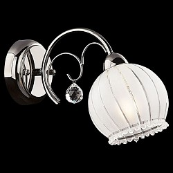 Бра EurosvetС 1 лампой<br>Артикул - EV_70079,Бренд - Eurosvet (Китай),Коллекция - 7725,Гарантия, месяцы - 24,Высота, мм - 220,Тип лампы - компактная люминесцентная [КЛЛ] ИЛИнакаливания ИЛИсветодиодная [LED],Общее кол-во ламп - 1,Напряжение питания лампы, В - 220,Максимальная мощность лампы, Вт - 40,Лампы в комплекте - отсутствуют,Цвет плафонов и подвесок - белый полосатый с каймой,Тип поверхности плафонов - матовый, прозрачный,Материал плафонов и подвесок - стекло, хрусталь,Цвет арматуры - черный жемчуг,Тип поверхности арматуры - глянцевый,Материал арматуры - металл,Возможность подлючения диммера - можно, если установить лампу накаливания,Тип цоколя лампы - E14,Класс электробезопасности - I,Степень пылевлагозащиты, IP - 20,Диапазон рабочих температур - комнатная температура,Дополнительные параметры - способ крепления светильника на стене – на монтажной пластине, светильник предназначен для использования со скрытой проводкой<br>
