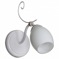 Бра АврораС 1 лампой<br>Артикул - AV_10095-1B,Бренд - Аврора (Россия),Коллекция - Атланта,Гарантия, месяцы - 24,Высота, мм - 255,Тип лампы - компактная люминесцентная [КЛЛ] ИЛИнакаливания ИЛИсветодиодная  [LED],Общее кол-во ламп - 1,Напряжение питания лампы, В - 220,Максимальная мощность лампы, Вт - 60,Лампы в комплекте - отсутствуют,Цвет плафонов и подвесок - белый,Тип поверхности плафонов - матовый,Материал плафонов и подвесок - стекло,Цвет арматуры - белый, золото,Тип поверхности арматуры - матовый,Материал арматуры - металл,Возможность подлючения диммера - можно, если установить лампу накаливания,Тип цоколя лампы - E14,Класс электробезопасности - I,Степень пылевлагозащиты, IP - 20,Диапазон рабочих температур - комнатная температура,Дополнительные параметры - способ крепления светильника на стене – на монтажной пластине, светильник предназначен для использования со скрытой проводкой<br>