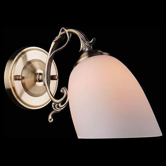 Бра EurosvetНастенные светильники<br>Артикул - EV_55442,Бренд - Eurosvet (Китай),Коллекция - 22010,Гарантия, месяцы - 24,Ширина, мм - 120,Высота, мм - 180,Выступ, мм - 300,Тип лампы - компактная люминесцентная [КЛЛ] ИЛИнакаливания ИЛИсветодиодная [LED],Общее кол-во ламп - 1,Напряжение питания лампы, В - 220,Максимальная мощность лампы, Вт - 60,Лампы в комплекте - отсутствуют,Цвет плафонов и подвесок - белый,Тип поверхности плафонов - матовый,Материал плафонов и подвесок - стекло,Цвет арматуры - бронза античная,Тип поверхности арматуры - матовый, рельефный,Материал арматуры - металл,Количество плафонов - 1,Возможность подлючения диммера - можно, если установить лампу накаливания,Тип цоколя лампы - E27,Класс электробезопасности - I,Степень пылевлагозащиты, IP - 20,Диапазон рабочих температур - комнатная температура,Дополнительные параметры - способ крепления светильника на стене – на монтажной пластине, светильник предназначен для использования со скрытой проводкой<br>