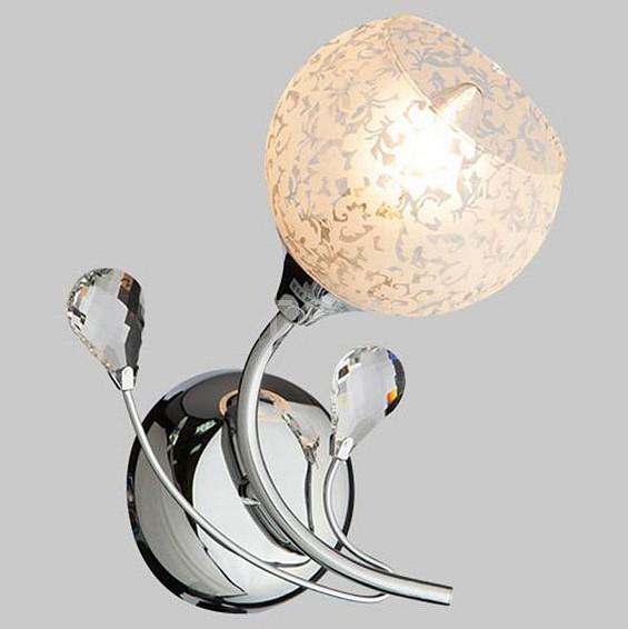 Бра ОптимаНастенные светильники<br>Артикул - EV_76971,Бренд - Оптима (Китай),Коллекция - Изабелла,Гарантия, месяцы - 24,Ширина, мм - 150,Высота, мм - 260,Выступ, мм - 190,Тип лампы - компактная люминесцентная [КЛЛ] ИЛИнакаливания ИЛИсветодиодная [LED],Общее кол-во ламп - 1,Напряжение питания лампы, В - 220,Максимальная мощность лампы, Вт - 60,Лампы в комплекте - отсутствуют,Цвет плафонов и подвесок - белый с неокрашенным рисунком,Тип поверхности плафонов - матовый, прозрачный,Материал плафонов и подвесок - стекло, хрусталь,Цвет арматуры - хром,Тип поверхности арматуры - глянцевый,Материал арматуры - металл,Количество плафонов - 1,Возможность подлючения диммера - можно, если установить лампу накаливания,Тип цоколя лампы - E14,Класс электробезопасности - I,Степень пылевлагозащиты, IP - 20,Диапазон рабочих температур - комнатная температура,Дополнительные параметры - способ крепления светильника к стене - на монтажной пластине, светильник предназначен для  использования со скрытой проводкой<br>