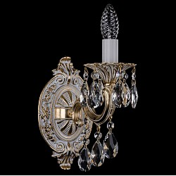 Бра Bohemia Ivele CrystalС 1 лампой<br>Артикул - BI_1700_1_B_GW,Бренд - Bohemia Ivele Crystal (Чехия),Коллекция - 1700,Гарантия, месяцы - 12,Высота, мм - 250,Размер упаковки, мм - 250x180x170,Тип лампы - компактная люминесцентная [КЛЛ] ИЛИнакаливания ИЛИсветодиодная [LED],Общее кол-во ламп - 1,Напряжение питания лампы, В - 220,Максимальная мощность лампы, Вт - 40,Лампы в комплекте - отсутствуют,Цвет плафонов и подвесок - неокрашенный,Тип поверхности плафонов - прозрачный,Материал плафонов и подвесок - хрусталь,Цвет арматуры - золото беленое,Тип поверхности арматуры - глянцевый, рельефный,Материал арматуры - металл,Возможность подлючения диммера - можно, если установить лампу накаливания,Форма и тип колбы - свеча ИЛИ свеча на ветру,Тип цоколя лампы - E14,Класс электробезопасности - I,Степень пылевлагозащиты, IP - 20,Диапазон рабочих температур - комнатная температура,Дополнительные параметры - способ крепления светильника – на монтажной пластине, светильник предназначен для использования со скрытой проводкой<br>