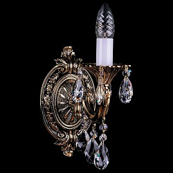 Бра Bohemia Ivele CrystalС 1 лампой<br>Артикул - BI_1700_1_A_GB,Бренд - Bohemia Ivele Crystal (Чехия),Коллекция - 1700,Гарантия, месяцы - 12,Высота, мм - 250,Размер упаковки, мм - 250x180x170,Тип лампы - компактная люминесцентная [КЛЛ] ИЛИнакаливания ИЛИсветодиодная [LED],Общее кол-во ламп - 1,Напряжение питания лампы, В - 220,Максимальная мощность лампы, Вт - 40,Лампы в комплекте - отсутствуют,Цвет плафонов и подвесок - неокрашенный,Тип поверхности плафонов - прозрачный,Материал плафонов и подвесок - хрусталь,Цвет арматуры - золото черненое,Тип поверхности арматуры - глянцевый, рельефный,Материал арматуры - металл,Возможность подлючения диммера - можно, если установить лампу накаливания,Форма и тип колбы - свеча ИЛИ свеча на ветру,Тип цоколя лампы - E14,Класс электробезопасности - I,Степень пылевлагозащиты, IP - 20,Диапазон рабочих температур - комнатная температура,Дополнительные параметры - способ крепления светильника – на монтажной пластине, светильник предназначен для использования со скрытой проводкой<br>