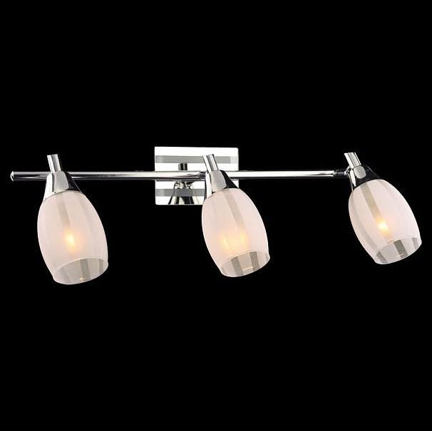 Спот EurosvetСпоты<br>Артикул - EV_54561,Бренд - Eurosvet (Китай),Коллекция - 20129,Гарантия, месяцы - 24,Длина, мм - 590,Ширина, мм - 80,Выступ, мм - 140,Тип лампы - компактная люминесцентная [КЛЛ] ИЛИнакаливания ИЛИсветодиодная [LED],Общее кол-во ламп - 3,Напряжение питания лампы, В - 220,Максимальная мощность лампы, Вт - 40,Лампы в комплекте - отсутствуют,Цвет плафонов и подвесок - белый полосатый,Тип поверхности плафонов - матовый,Материал плафонов и подвесок - стекло,Цвет арматуры - неокрашенный полосатый, хром,Тип поверхности арматуры - глянцевый, матовый,Материал арматуры - металл, стекло,Количество плафонов - 3,Возможность подлючения диммера - можно, если установить лампу накаливания,Тип цоколя лампы - E14,Класс электробезопасности - I,Общая мощность, Вт - 120,Степень пылевлагозащиты, IP - 20,Диапазон рабочих температур - комнатная температура,Дополнительные параметры - способ крепления к потолку и стене - на монтажной пластине, поворотный светильник<br>