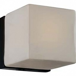 Накладной светильник Odeon LightКвадратные<br>Артикул - OD_2043_1C,Бренд - Odeon Light (Италия),Коллекция - Cubet,Гарантия, месяцы - 24,Высота, мм - 150,Тип лампы - компактная люминесцентная [КЛЛ] ИЛИнакаливания ИЛИсветодиодная [LED],Общее кол-во ламп - 1,Напряжение питания лампы, В - 220,Максимальная мощность лампы, Вт - 40,Лампы в комплекте - отсутствуют,Цвет плафонов и подвесок - белый,Тип поверхности плафонов - матовый,Материал плафонов и подвесок - стекло,Цвет арматуры - венге,Тип поверхности арматуры - глянцевый,Материал арматуры - металл,Возможность подлючения диммера - можно, если установить лампу накаливания,Тип цоколя лампы - E14,Класс электробезопасности - I,Степень пылевлагозащиты, IP - 20,Диапазон рабочих температур - комнатная температура<br>