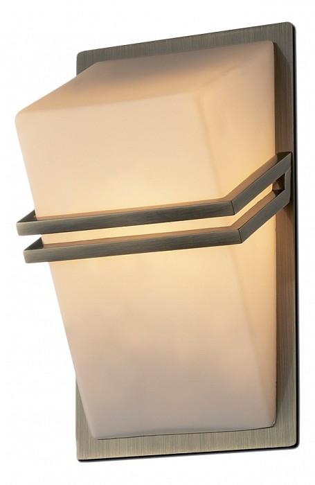 Накладной светильник Odeon LightС 1 плафоном<br>Артикул - OD_2023_1W,Бренд - Odeon Light (Италия),Коллекция - Tiara,Гарантия, месяцы - 24,Время изготовления, дней - 1,Ширина, мм - 90,Высота, мм - 180,Тип лампы - галогеновая,Общее кол-во ламп - 1,Напряжение питания лампы, В - 220,Максимальная мощность лампы, Вт - 40,Цвет лампы - белый теплый,Лампы в комплекте - галогеновая G9,Цвет плафонов и подвесок - белый,Тип поверхности плафонов - матовый,Материал плафонов и подвесок - стекло,Цвет арматуры - бронза,Тип поверхности арматуры - глянцевый,Материал арматуры - металл,Количество плафонов - 1,Возможность подлючения диммера - можно,Форма и тип колбы - пальчиковая,Тип цоколя лампы - G9,Цветовая температура, K - 2800 - 3200 K,Экономичнее лампы накаливания - на 50%,Класс электробезопасности - I,Степень пылевлагозащиты, IP - 20,Диапазон рабочих температур - комнатная температура<br>