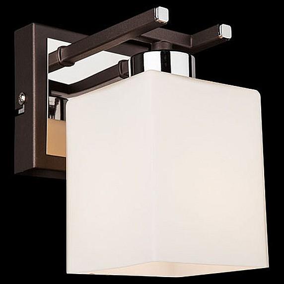Бра EurosvetНастенные светильники<br>Артикул - EV_73785,Бренд - Eurosvet (Китай),Коллекция - 70018,Гарантия, месяцы - 24,Ширина, мм - 150,Высота, мм - 180,Выступ, мм - 100,Тип лампы - компактная люминесцентная [КЛЛ] ИЛИнакаливания ИЛИсветодиодная [LED],Общее кол-во ламп - 1,Напряжение питания лампы, В - 220,Максимальная мощность лампы, Вт - 60,Лампы в комплекте - отсутствуют,Цвет плафонов и подвесок - белый,Тип поверхности плафонов - матовый,Материал плафонов и подвесок - стекло,Цвет арматуры - венге, хром,Тип поверхности арматуры - глянцевый, матовый,Материал арматуры - металл,Количество плафонов - 1,Возможность подлючения диммера - можно, если установить лампу накаливания,Тип цоколя лампы - E14,Класс электробезопасности - I,Степень пылевлагозащиты, IP - 20,Диапазон рабочих температур - комнатная температура,Дополнительные параметры - способ крепления светильника на стене – на монтажной пластине, светильник предназначен для использования со скрытой проводкой<br>