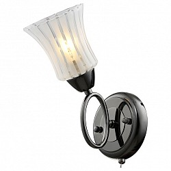 Бра IDLampС 1 лампой<br>Артикул - ID_246_1A-Blackwhite,Бренд - IDLamp (Италия),Коллекция - 246,Высота, мм - 250,Тип лампы - компактная люминесцентная [КЛЛ] ИЛИнакаливания ИЛИсветодиодная [LED],Общее кол-во ламп - 1,Напряжение питания лампы, В - 220,Максимальная мощность лампы, Вт - 60,Лампы в комплекте - отсутствуют,Цвет плафонов и подвесок - белый полосатый,Тип поверхности плафонов - матовый,Материал плафонов и подвесок - стекло,Цвет арматуры - хром, черный,Тип поверхности арматуры - глянцевый,Материал арматуры - металл,Возможность подлючения диммера - можно, если установить лампу накаливания,Тип цоколя лампы - E27,Класс электробезопасности - I,Степень пылевлагозащиты, IP - 20,Диапазон рабочих температур - комнатная температура,Дополнительные параметры - светильник предназначен для использования со скрытой проводкой, способ крепления светильника к стене – на монтажной пластине<br>